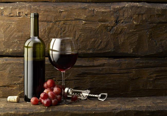 Jak podać i pić wino?